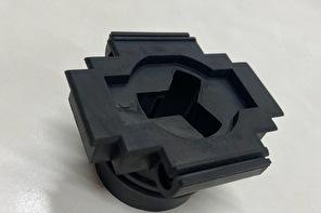 高難易度、【複雑形状のゴム製品】を製作